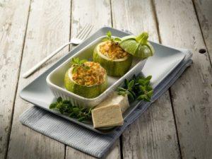 Calabacines rellenos de tofu
